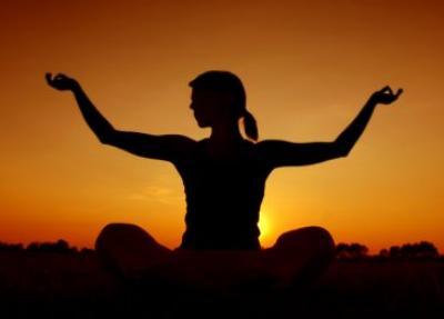 yoga-med_-bras-leves.jpg